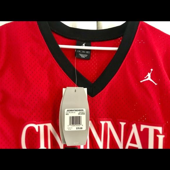 buy popular 14a19 0102d NWT Cincinnati Bearcats Jersey NWT